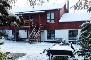 Overnatning hos Albertine om vinteren i sneen