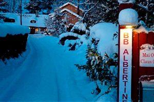 Sne i indkørslen til BB Hotel Albertine