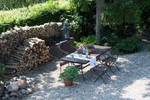 Romantisk morgenmad i haven